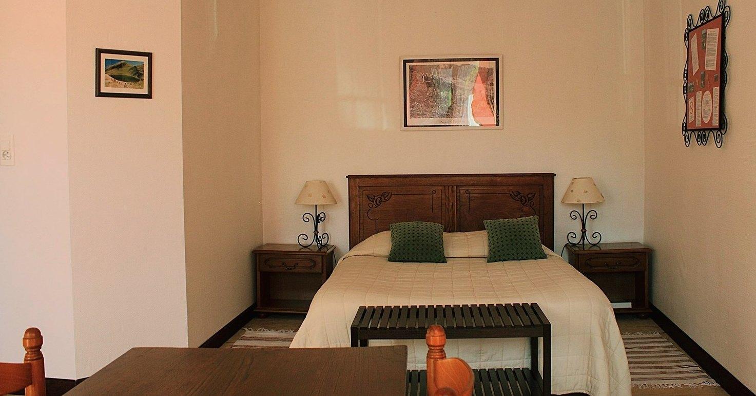 l h tel auberge du haut salat. Black Bedroom Furniture Sets. Home Design Ideas